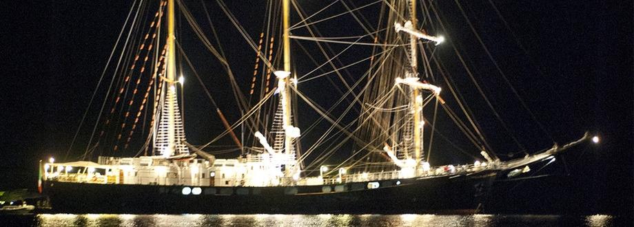 Matrimonio In Barca : Matrimonio in barca caicco catering cilento